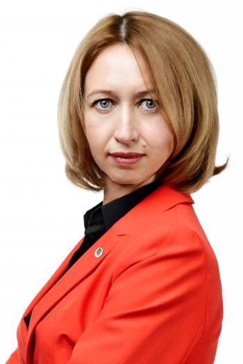 Марина Евсютина Руководитель договорного отдела