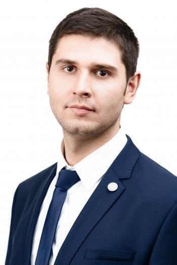 Артем Карамышев Специалист по продажам